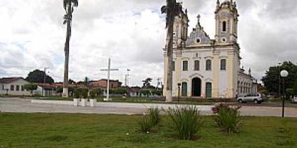 Oliveira dos Campinhos-BA-Praça e Igreja de N.Sra.de Oliveira-Foto:Cadu Freitas/BnL