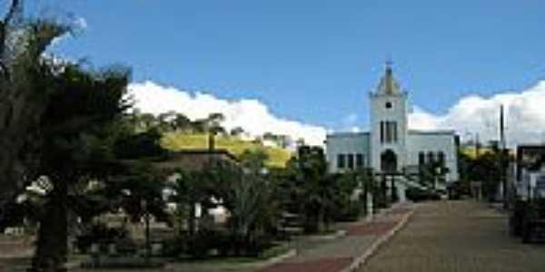Praça e Igreja de N.Sra.de Fátima em Distrito dos Fernandes-MG-Foto:Eni