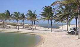 Praia de Uruaú - Praia de Uruaú-CE-Lagoas de Uruaú-Foto:liciaturviagens.com