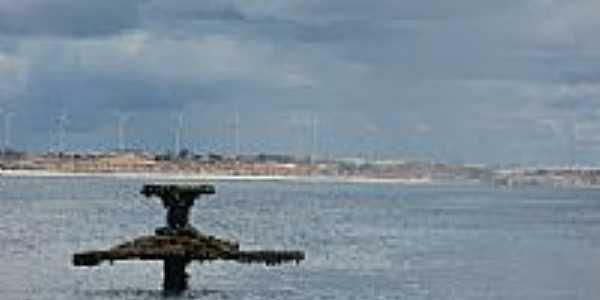 Praia de Uruaú-CE-Parte do navio naufragado em 1943-Foto:mardoceara.