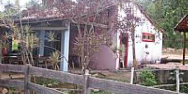 Macacos-MG-Casa típica do Distrito-Foto:oquevivipelomundo.