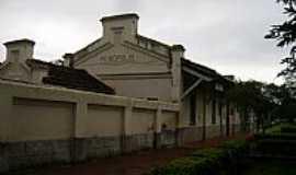 PEIRÓPOLIS - Peirópolis-MG-Antiga Estação Ferroviária,hoje Museu Paleontológico-Foto:Altemiro Olinto Cris…