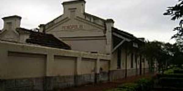 Peirópolis-MG-Antiga Estação Ferroviária,hoje Museu Paleontológico-Foto:Altemiro Olinto Cris…