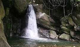 Aldeia Velha - Aldeia Velha-RJ-Cachoeira das Andorinhas-Foto:aldeiavelha-ipuca.