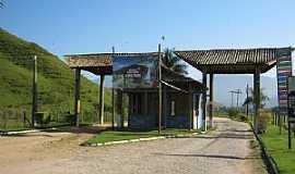Aldeia Velha - Aldeia Velha-RJ-Pórtico de entrada da cidade-Foto:campingestrada.blogspot.com