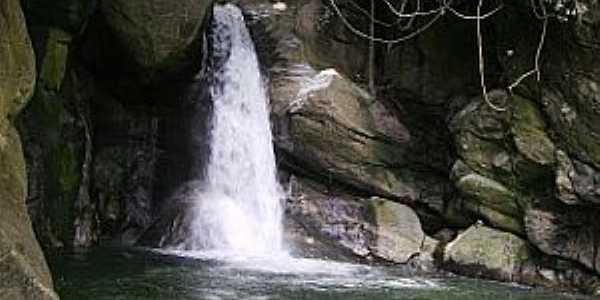 Aldeia Velha-RJ-Cachoeira das Andorinhas-Foto:aldeiavelha-ipuca.