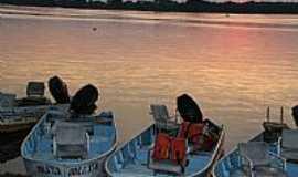 Porto Morrinho - Porto Morrinho-MS-Barcos de pesca no Rio Paraguai-Foto:Isabel Pellizzer