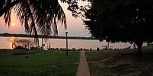 Porto Morrinho-MS-Amanhecer no Rio Paraguai-Foto:Isabel Pellizzer