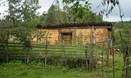 Vitoriano Veloso (Bichinho) - Vitoriano Veloso(Bichinho)-MG-Casa de Adobe em área rural-Foto:bichinho.net