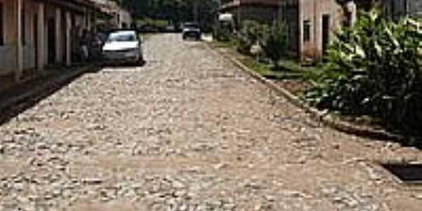 Vitoriano Veloso(Bichinho)-MG-Rua Deputado José Bonifácio Filho-Foto:wikipedia.org