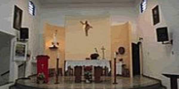 Praia de Itaipuaçu-RJ-Interior da Igreja de N.Sra.de Fátima-Foto:http://nossasenhoradefatimaparoquia.