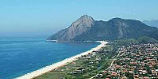 Praia de Itaipuaçu-RJ-Vista aérea ao fundo Pedra do Elefante-Foto:www.maricasa.com.br