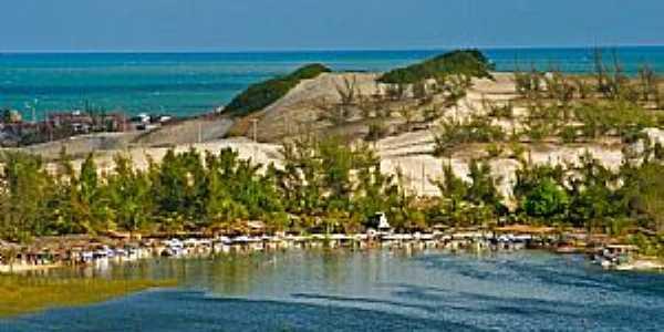 Praia de Pitangui-RN-Lagoa de Pitangui-Foto:thyrone