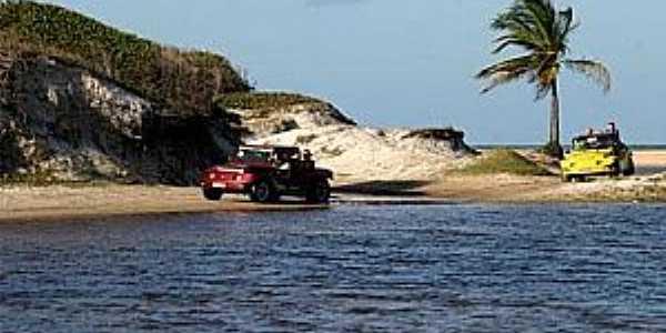 Praia de Pitangui-RN-Rio Pitangui-Foto:natalbrasil.tur.br