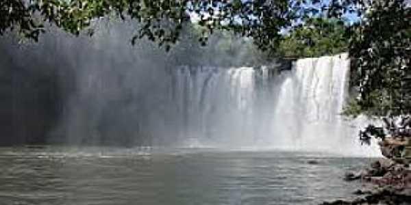 São João da Cachoeira em Carolina-MA-Cachoeira do Itapecuru-Foto:cachoeirasecascatas.blogspot.com