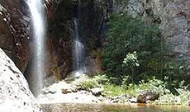 Vila do Tabuleiro - Vila do Tabuleiro-MG-Poço da Cachoeira Congonhas-Foto:guiadoviajante.com