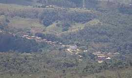 Vila do Tabuleiro - Vila do Tabuleiro-MG-Vista do pequeno vilarejo-Foto:amochilaeomundo.