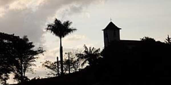 Vila do Tabuleiro-MG-Igreja do Sagrado Coração de Jesus-Foto:Ramon Lamar