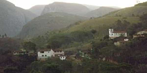 Vila do Tabuleiro-MG-Vista do pequeno vilarejo-Foto:Ramon Lamar