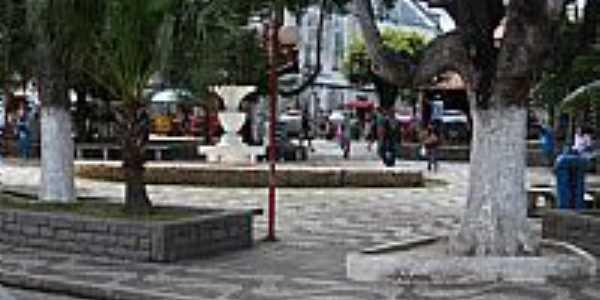 Serrinha-BA-Praça no centro da cidade-Foto:Joquinha Bandiaçu