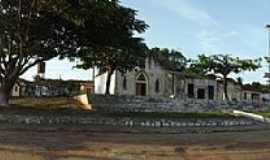 Sítio do Meio - Sítio do Meio-BA-Igreja e Praça central-Foto:sitiodomeio.com.br