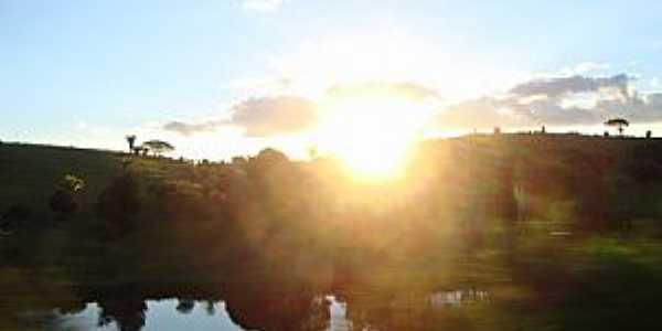 Teixeira de Freitas-BA-Pôr do Sol no lago-Foto:leonir angelo lunardi