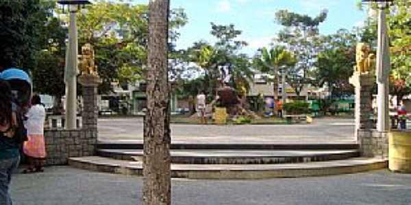 Teixeira de Freitas-BA-Praça Castro Alves-Foto:leonir angelo lunardi