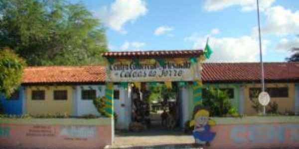 Centro de Artesanato de Caldas do Jorro, localizado a 8 km de Tucano Bahia. O Centro de Artesanato é referencia na Bahia e se encontra no Distrito Caldas do Jorro, a terra das águas termais, 48 graus, Por Edson de Melo Costa