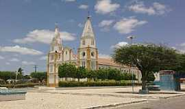Uauá - Uauá-BA-Praça e Igreja Matriz-Foto:Adriano_Rodrigo