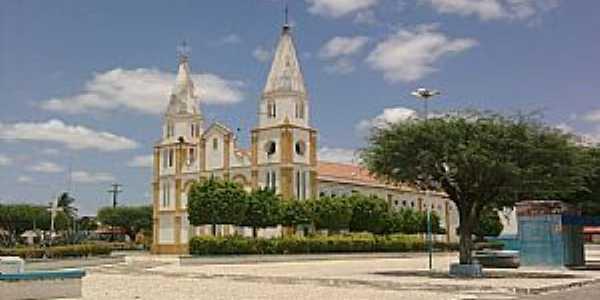 Uauá-BA-Praça e Igreja Matriz-Foto:Adriano_Rodrigo