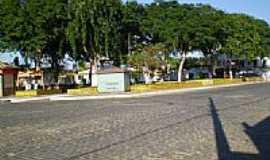 Ubat� - pra�a do centro da cidade