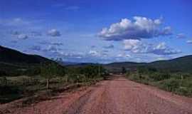 Ubiracaba - Estrada em Ubiracaba-BA-Foto:celiosl
