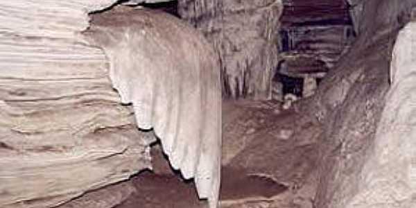 Ubiraitá-BA-Uma asa na Gruta da Paixão-Foto:arcione teixeira lima