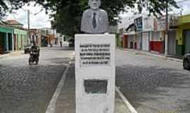 Major Isidoro - Busto em homenagem ao Patriarca da cidade de Major Isidoro-Foto:Sergio Falcetti