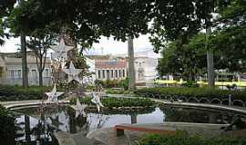 Vitória da Conquista - Vitória da Conquista-BA-Lago na Praça Tancredo Nesves-Foto:Thomas Nascimento