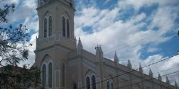Catedral Nossa Senhora das Vitórias, Vitória da Conquista Um excelente exemplo da arquitetura das igrejas católicas do início do século XX,, Por Miquinho Marinho