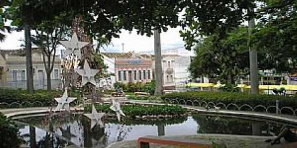 Vitória da Conquista-BA-Lago na Praça Tancredo Nesves-Foto:Thomas Nascimento