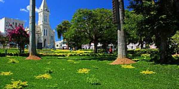 Vitória da Conquista-BA-Praça Tancredo Nesves-Foto:ruathz