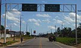 Acaraú - Pórtico de entrada na BR-403 em Acaraú-CE-Foto:erasmoandrade