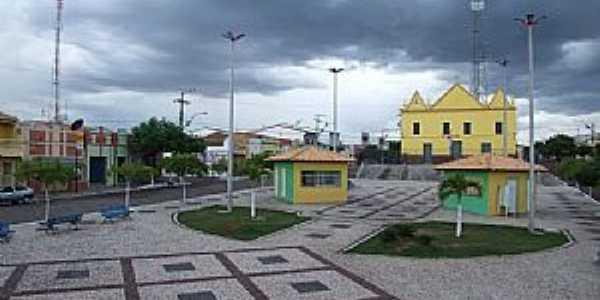 Alto Santo-CE-Praça e Igreja Matriz-Foto:Italo morais