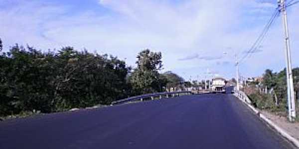 Amanarí-CE-Ponte na entrada da cidade-Foto:copaengenharia.com.br
