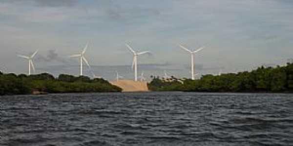 Amontada-CE-Rio Aracatiaçu e o Parque eólico-Foto:meucadernodeviagem.
