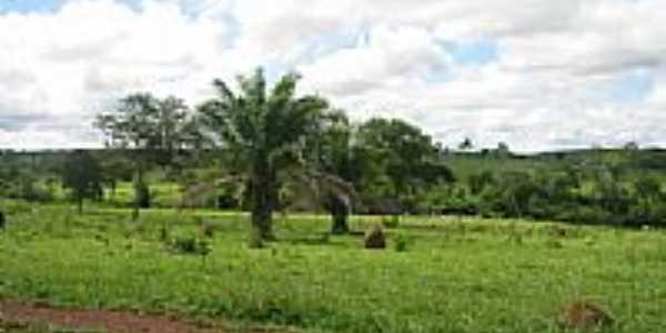 Fazenda no Distrito de Aquinópolis-Foto:Wikipédia