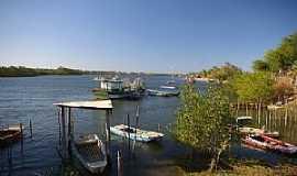 Aracati - Aracati-CE-Barcos às margens do Rio Jaguaribe-Foto:nimra mhad