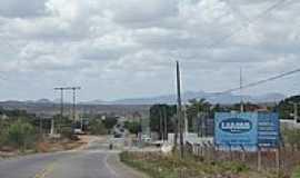 Aracoiaba - Avenida de entrada da cidade de Aracoiaba-CE-Foto:andre pimentel