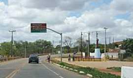 Aracoiaba - Saindo da cidade de Aracoiaba-CE-Foto:andre pimentel