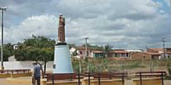 Imagem de São Francisco na entrada da cidade de Aracoiaba-CE-Foto:andre pimentel