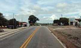 Aratama - Rodovia em Aratama-Foto:rudge mota