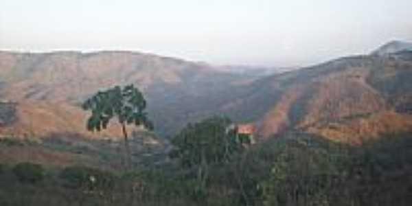 Vista da Serra de Aratuba, antiga Vila de Coité-CE-Foto:juliolima