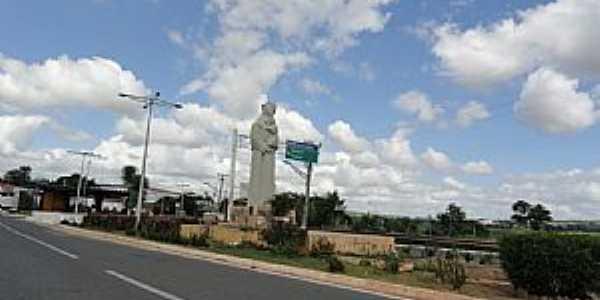 Barbalha-CE-Imagem de Santo Antônio na entrada da cidade-Foto:Walter Leite